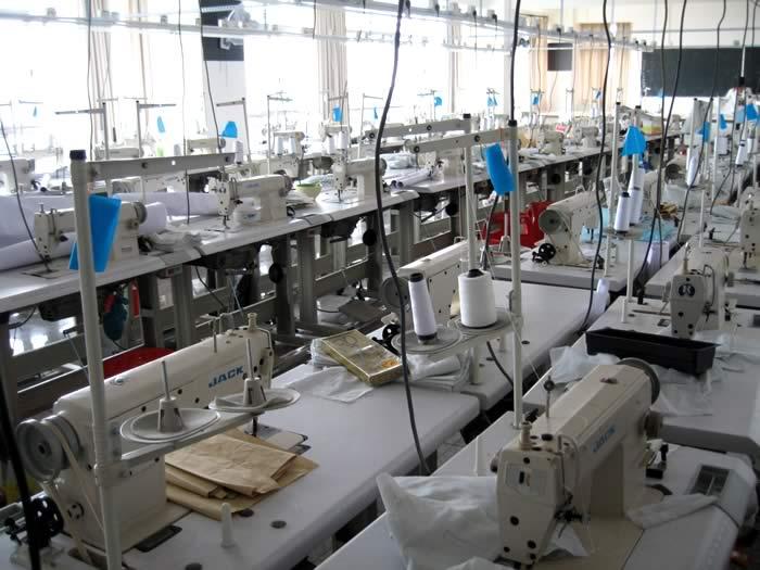 Xưởng may quần áo cao cấp chuyên bỏ sỉ quần áo giá cực tốt - 2