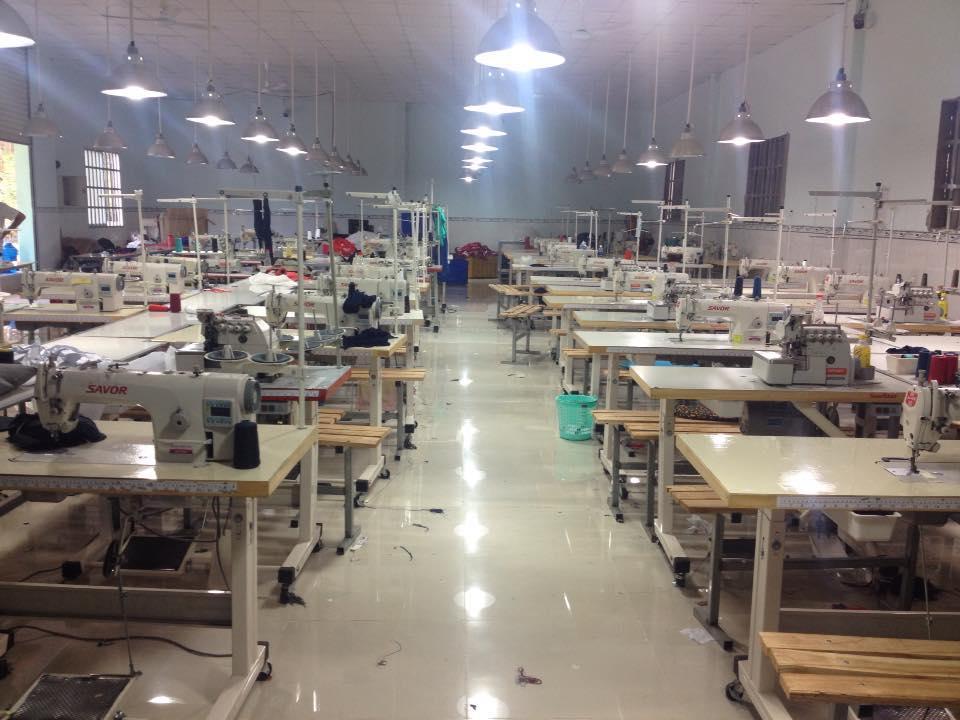 Xưởng may quần áo cao cấp chuyên bỏ sỉ quần áo giá cực tốt